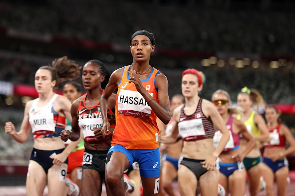 TOKYO, JAPAN - AUGUST 06: Sifan Hassan of Team Netherlands competes in the Women's 1500 metres final on day fourteen of the Tokyo 2020 Olympic Games at Olympic Stadium on August 06, 2021 in Tokyo, Japan. (Photo by Cameron Spencer/Getty Images)
