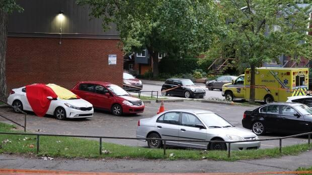 A passerby called police when they saw the 21-year-old man injured in the car at the corner of Canning and Workman streets Saturday evening in Montreal's Sud-Ouest borough. (Stéphane Grégoire/Radio-Canada - image credit)