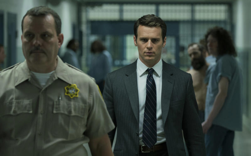 Jonathan Groff, as Holden Ford, appears in a prison to interview a serial killer.