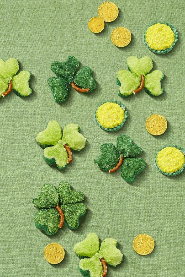 """<p>You don't even need a special pan to bake these beauties — just use aluminum foil and a basic muffin tin to make three and four leaf clovers.</p><p><em><a href=""""https://www.womansday.com/food-recipes/a57793/shamrock-clover-cupcakes/"""" rel=""""nofollow noopener"""" target=""""_blank"""" data-ylk=""""slk:Get the recipe from Woman's Day »"""" class=""""link rapid-noclick-resp"""">Get the recipe from Woman's Day » </a></em></p><p><strong>RELATED: </strong><a href=""""https://www.goodhousekeeping.com/food-recipes/dessert/g3262/st-patricks-day-desserts/"""" rel=""""nofollow noopener"""" target=""""_blank"""" data-ylk=""""slk:40+ St. Patrick's Day Desserts That Are Better Than a Pot of Gold"""" class=""""link rapid-noclick-resp"""">40+ St. Patrick's Day Desserts That Are Better Than a Pot of Gold</a></p>"""