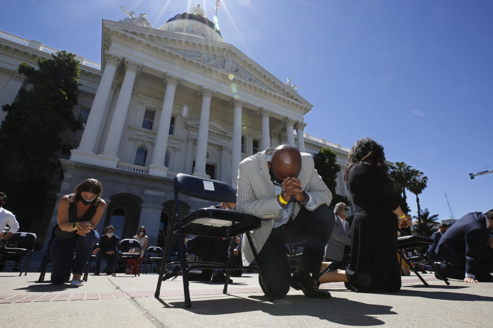 California pushes rules on breath-restricting police holds