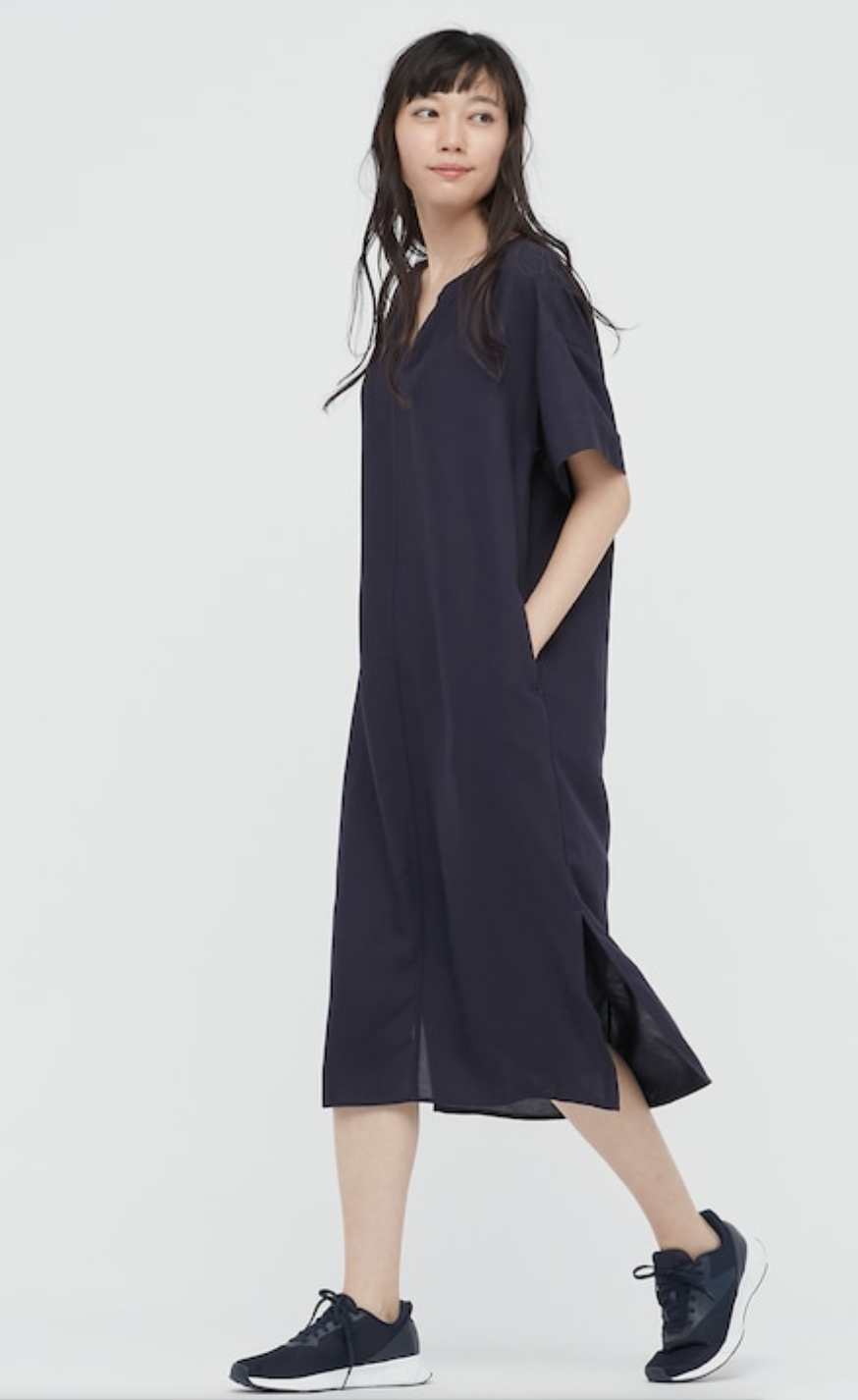 """<p>uniqlo.com</p><p><strong>$39.90</strong></p><p><a href=""""https://go.redirectingat.com?id=74968X1596630&url=https%3A%2F%2Fwww.uniqlo.com%2Fus%2Fen%2Fwomen-linen-blend-short-sleeve-kaftan-dress-433661.html&sref=https%3A%2F%2Fwww.townandcountrymag.com%2Fstyle%2Fg36049039%2Fbest-linen-dresses-women%2F"""" rel=""""nofollow noopener"""" target=""""_blank"""" data-ylk=""""slk:Shop Now"""" class=""""link rapid-noclick-resp"""">Shop Now</a></p><p>If you haven't heard of caftan-chic, consider this your gateway drug. A traditional caftan cut (with pockets) in a navy linen works for all occasions. </p>"""