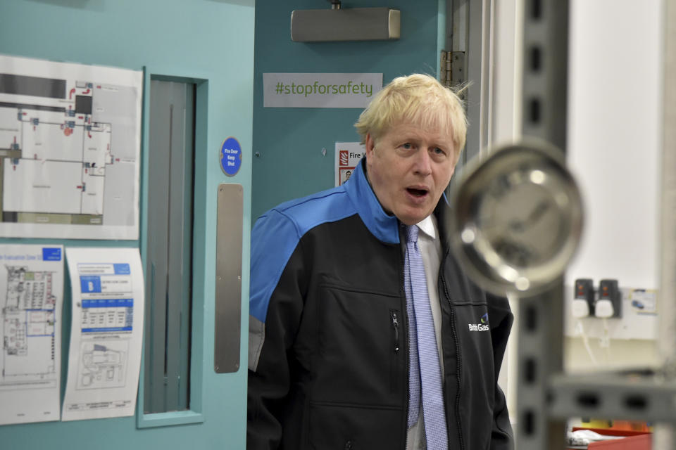 LEICESTER, ENGLAND - SEPTEMBER 13: Britain's Prime Minister Boris Johnson during a visit to a British Gas training academy on September 13, 2021 in Leicester, England. (Photo by Rui Vieira - WPA Pool/Getty Images)