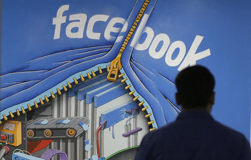 Bug exposes contacts of some on Facebook