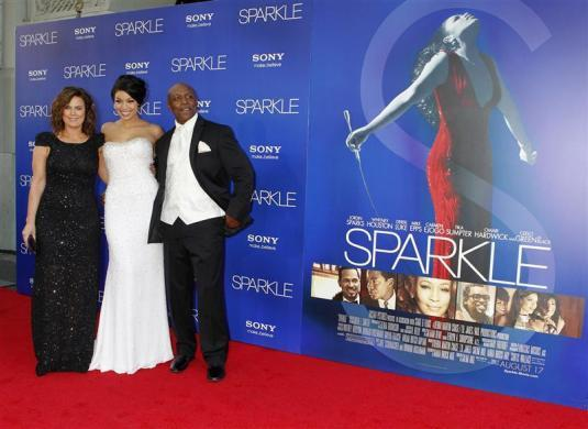 "Jordin Sparks (C) poses with her mother Jodi Weidmann Sparks (L) and father Phillippi Sparks at the premiere of ""Sparkle"" in Hollywood, California August 16, 2012."