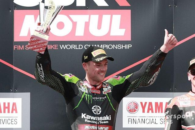"Race winner Alex Lowes, Kawasaki Racing Team <span class=""copyright"">Gold and Goose / Motorsport Images</span>"