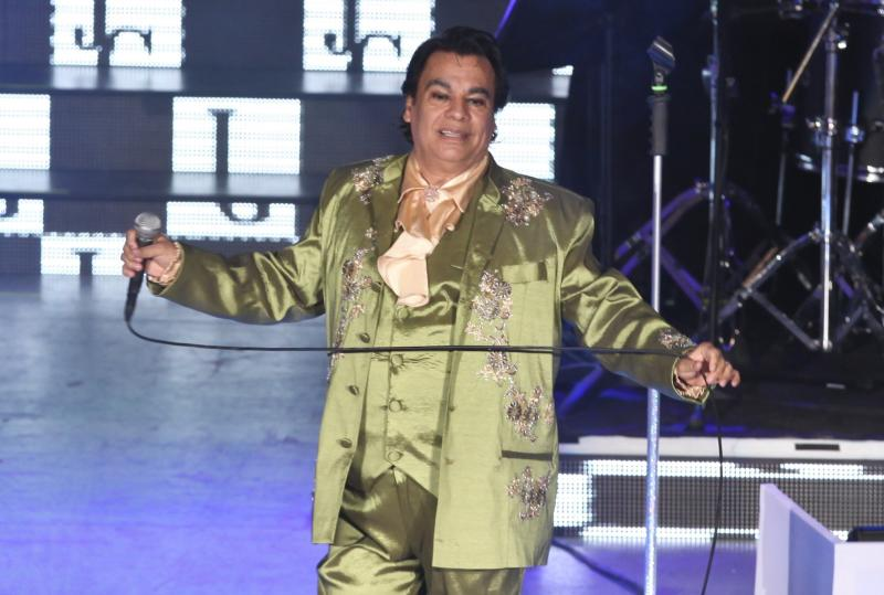 MEXICO CITY, MEXICO - JULY 04: Juan Gabriel sings during a concert for the celebration of his 40 year career at the National Auditorium July 4, 2013 in Mexico City, Mexico. (Photo by Edgar Negrete/Clasos.com/LatinContent via Getty Images)