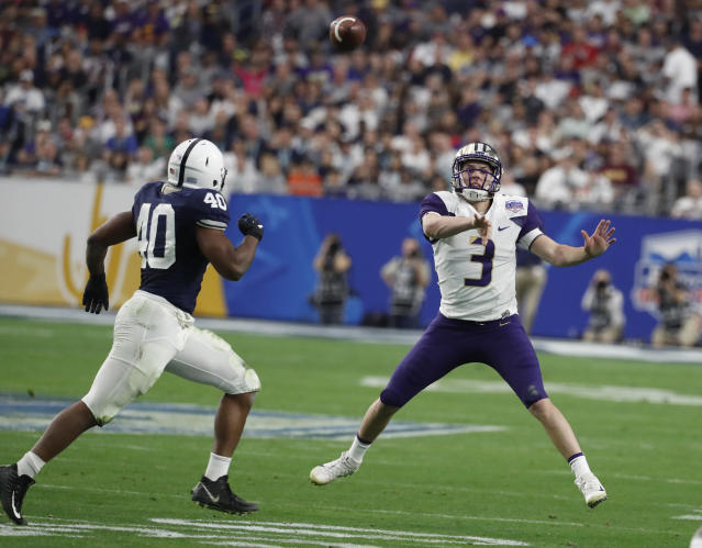 Washington quarterback Jake Browning (3) against Penn State during the Fiesta Bowl NCAA college football game, Saturday, Dec. 30, 2017, in Glendale, Ariz. (AP Photo/Rick Scuteri)