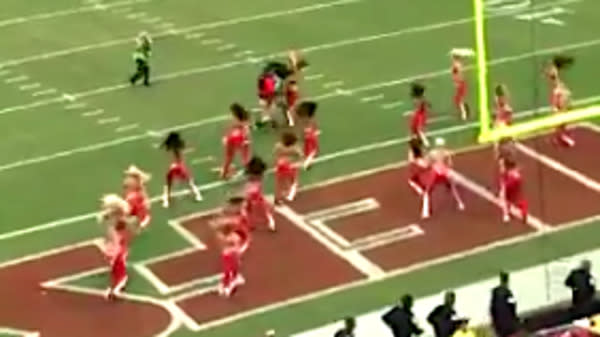 NFL Cheerleader Wiped Out By Cameraman In One Of Day's Biggest Hits