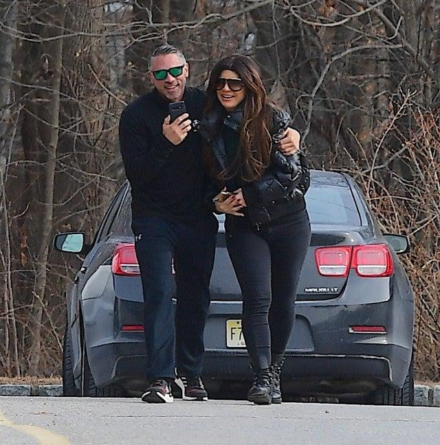 Joe Giudice reunites with daughters in Italy for Christmas