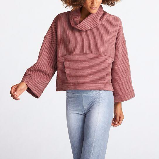 """If that rosy pullover doesn't make you want to workout, I'm not sure what will. Shop Lucy <a href=""""http://www.lucy.com/"""" target=""""_blank""""><strong>here</strong></a>."""