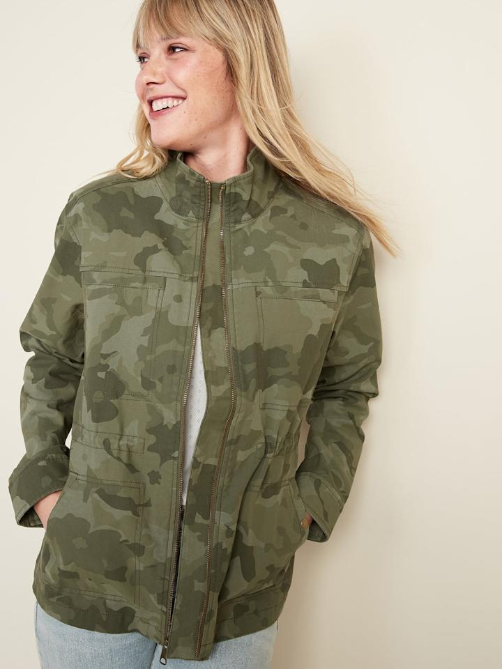 """<p>The <product href=""""https://oldnavy.gap.com/browse/product.do?pid=568117002&amp;pcid=999&amp;vid=1&amp;&amp;searchText=camo%20jcaket#pdp-page-content"""" target=""""_blank"""" class=""""ga-track"""" data-ga-category=""""internal click"""" data-ga-label=""""https://oldnavy.gap.com/browse/product.do?pid=568117002&amp;pcid=999&amp;vid=1&amp;&amp;searchText=camo%20jcaket#pdp-page-content"""" data-ga-action=""""body text link"""">Scout Utility Jacket </product> ($40, originally $50) has everything I look for. It has a relaxed fit through the body, which makes it great for fall layering; it's made of cotton so it's lightweight and I can take it off and tie it around my waist if it gets warm; and it's super stylish. </p>"""