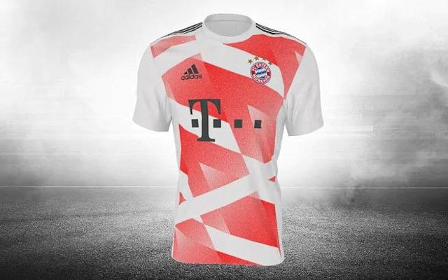 <p>Odd, but Bayern have mixed it up for their away kit… </p>