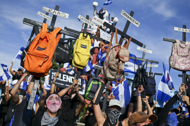<p>University students takes part in a march against Nicaragua's President Daniel Ortega in Managua, Nicaragua, Wednesday, May 30, 2018. (Photo: Esteban Felix/AP) </p>