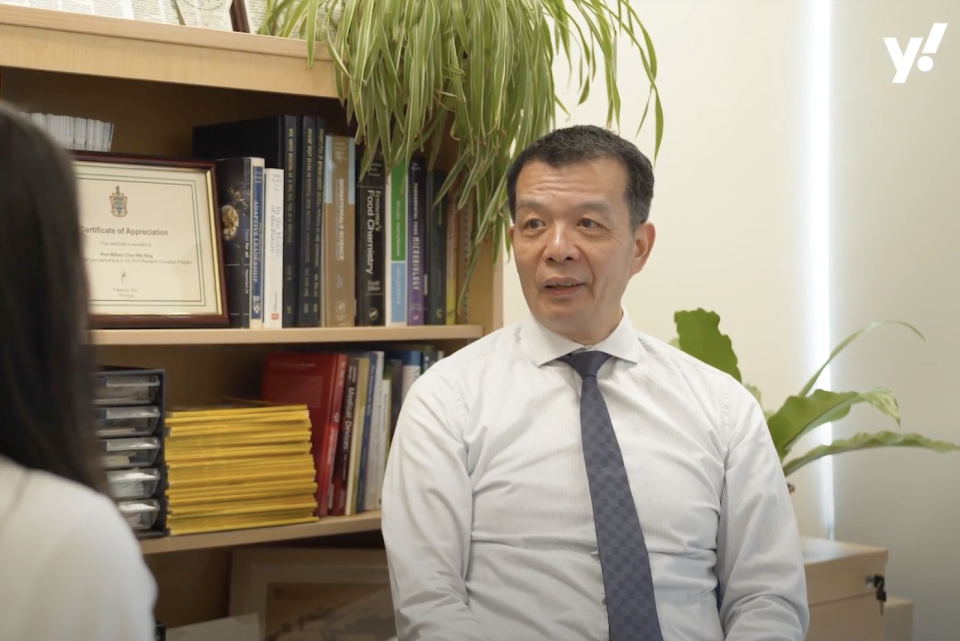 Professor William Chen from NTU's School of Chemical and Biomedical Engineering shares his view on the total replacement of traditional farmed meat with alternative meats. (PHOTO: Yahoo Southeast)