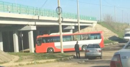 A still image from a video footage taken on April 6, 2018 shows a bus transferring Russian private military contractors passing a checkpoint before entering the Defence Ministry base in Molkino near Krasnodar, Russia. REUTERS/Stringer