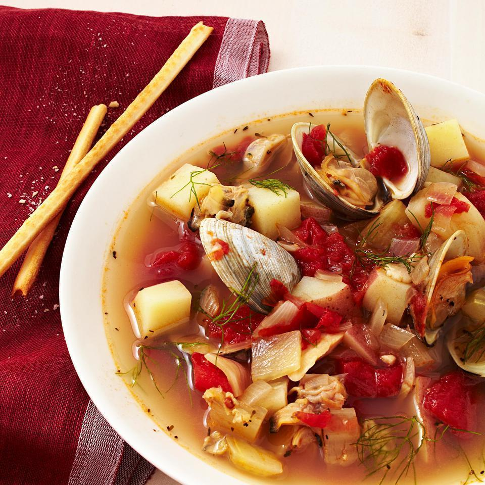 <p>There's long been a feud between Manhattan's tomato-based clam chowder and the cream-based New England clam chowder. No matter which you prefer, you can't deny that this easy clam chowder will put dinner on the table before you can finish the debate.</p>