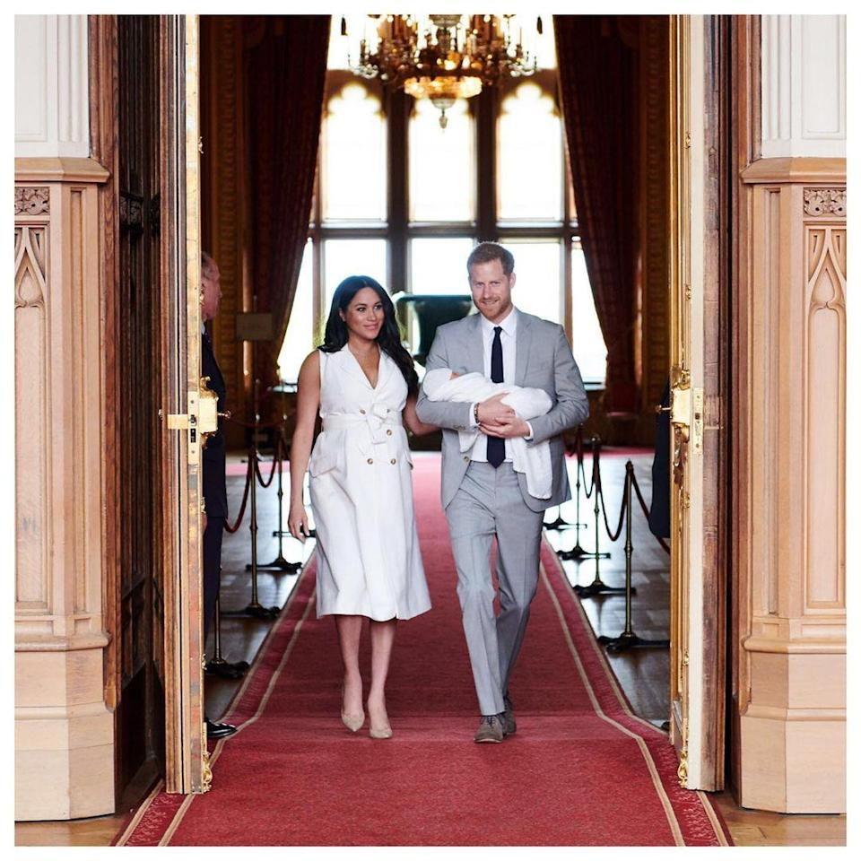 <p>Traditionally, the news of a royal baby being birthed is shared on a ceremonial easel place outside of Buckingham palace. But Meghan and Harry opted to announce the news on Instagram instead. Bold!</p>