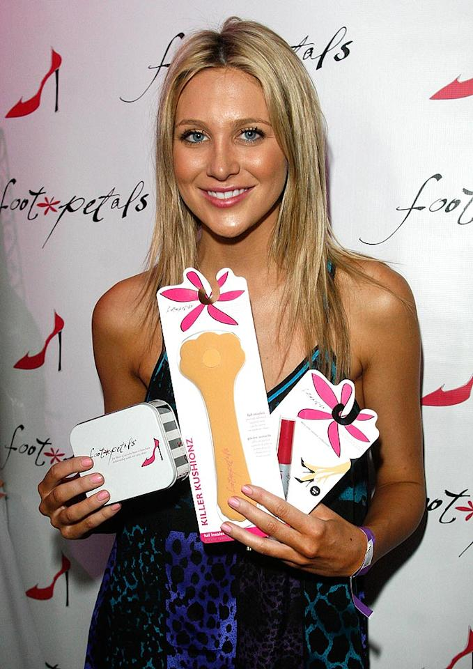 "Another hottie from ""The Hills,"" Stephanie Pratt, walked away from the Golden Globes event with some treats for her feet. Matt Simmons/ <a href=""http://www.wireimage.com"" target=""new"">WireImage.com</a> - January 14, 2010"