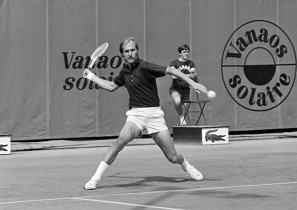 Stan Smith during the 1973 Roland-Garros French Open. (Photo: Universal/Corbis/VCG via Getty Images)