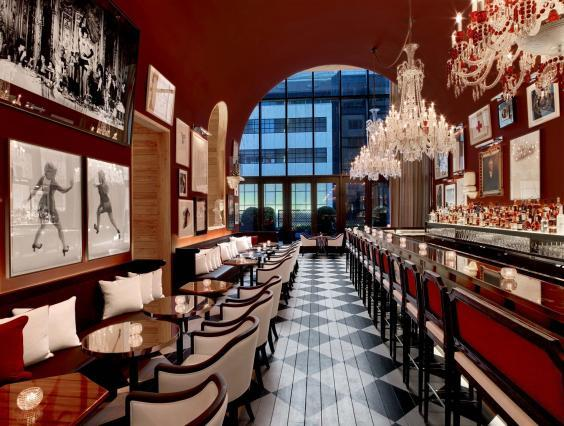 Mad Men-esque style at the bar, Baccarat New York (Baccarat New York)