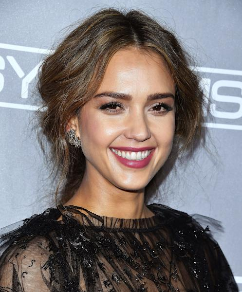 No time to wash your hair? No problem! Rocking a sexy, undone braid like Jessica Alba's elevates any look — and it's easier than you think!
