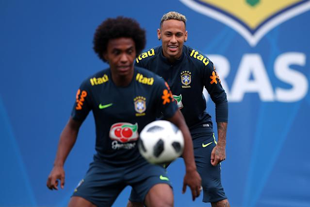 Soccer Football - World Cup - Brazil Training - Brazil Training Camp, Sochi, Russia - June 19, 2018 Brazil's Willian and Neymar during training REUTERS/Hannah McKay