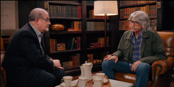"""""""Curb Your Enthusiasm"""": Salman Rushdie and Larry David. (Photo: HBO)"""