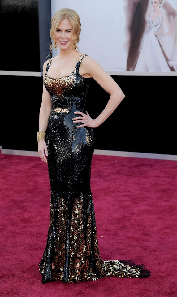 Nicole Kidman just shimmered at the Oscars red carpet in this black and gold L'Wren Scott dress.