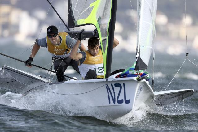 2016 Rio Olympics - Sailing - Final - Men's Skiff - 49er - Medal Race - Marina de Gloria - Rio de Janeiro, Brazil - 18/08/2016. Peter Burling (NZL) of New Zealand and Blair Tuke (NZL) of New Zealand compete during medal race. REUTERS/Benoit Tessier FOR EDITORIAL USE ONLY. NOT FOR SALE FOR MARKETING OR ADVERTISING CAMPAIGNS.