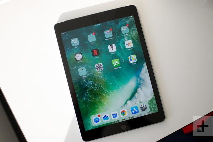40a559f90da Walmart drops price cuts on Apple iPads and iPad Pros with 4th of ...