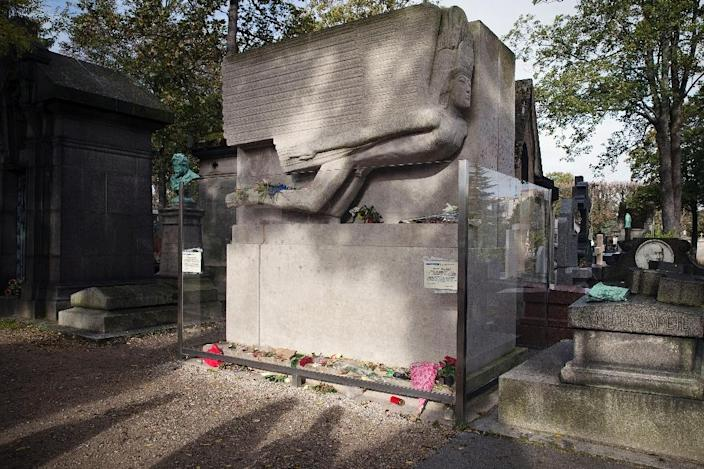The tombstone of Oscar Wilde at the Pere Lachaise cemetery in Paris (AFP Photo/Joel Saget)