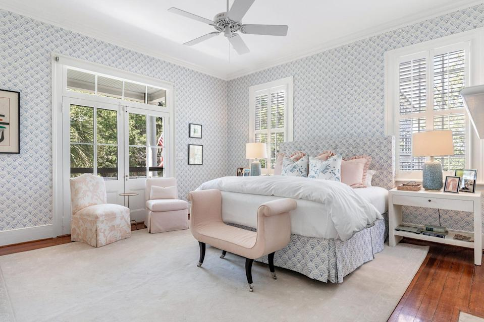 <p>The main bedroom enjoys easy access to the second-floor piazza.</p>