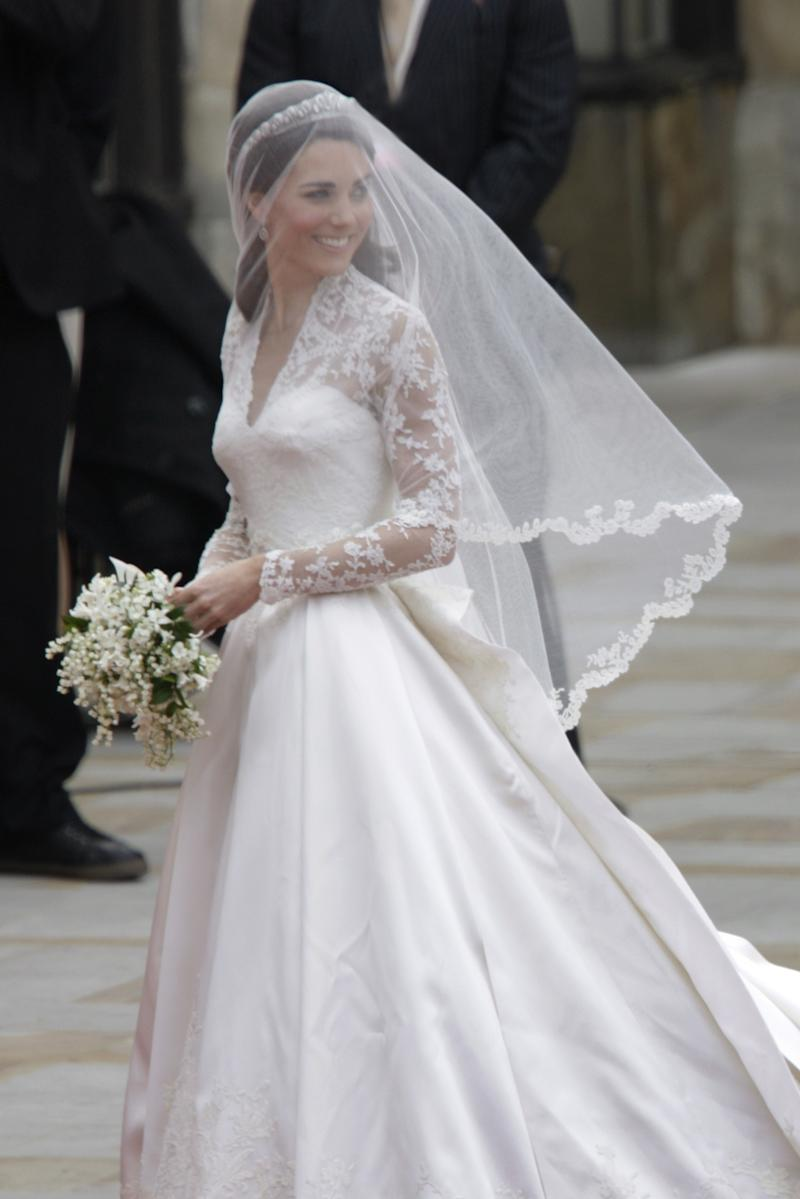 Kate Middleton\'s Friend Just Wore a Wedding Dress That Highly ...