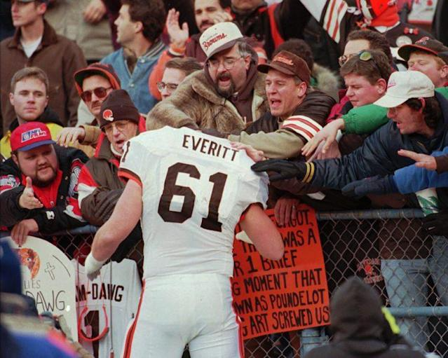 Browns center Steve Everitt visits the Dawg Pound before the Browns played their final game at Cleveland Stadium on dec. 17, 1995. (AP)