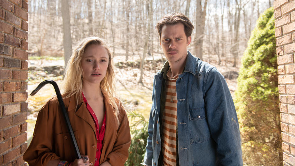 Maika Monroe and Bill Skarsgård in 'Villains'. (Credit: NOW TV)