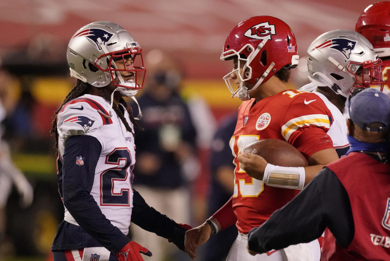 Reigning Super Bowl MVP Patrick Mahomes met up face-to-face with Patriots cornerback Stephon Gilmore, who revealed he tested positive for COVID-19, after Monday night's game. (AP Photo/Charlie Riedel)