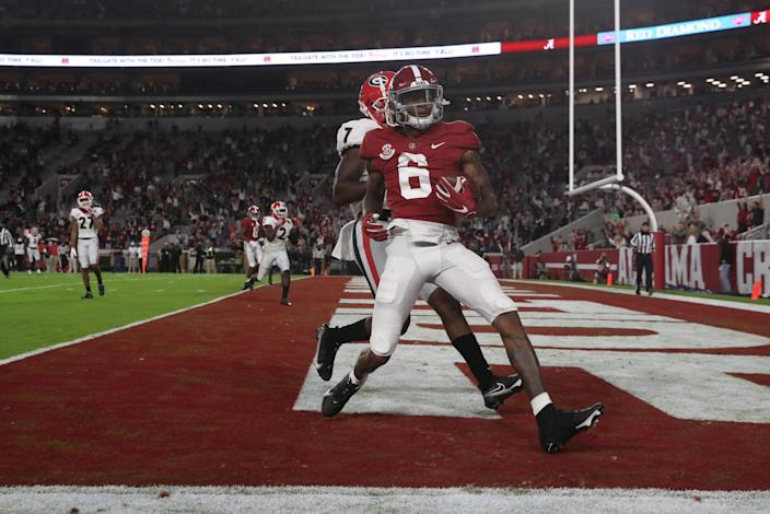 TUSCALOOSA, AL - OCTOBER 17: DeVonta Smith #6 of the Alabama Crimson Tide catches a touchdown pass in the first half against the Georgia Bulldogs at Bryant-Denny Stadium on October 17, 2020 in Tuscaloosa, Alabama. (Photo by UA Athletics/Collegiate Images/Getty Images)