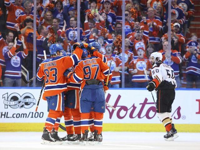 "The <a class=""link rapid-noclick-resp"" href=""/nhl/teams/edm/"" data-ylk=""slk:Edmonton Oilers"">Edmonton Oilers</a> responded with five first-period goals in Game 6 after their epic collapse versus the <a class=""link rapid-noclick-resp"" href=""/nhl/teams/ana/"" data-ylk=""slk:Anaheim Ducks"">Anaheim Ducks</a> in Game 5. THE CANADIAN PRESS/Jason Franson"
