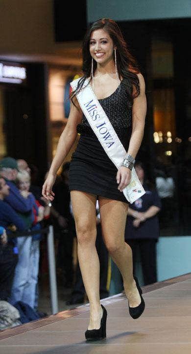 LAS VEGAS, NV - JANUARY 07:  2012 Miss America  Pageant contestant Miss Iowa Jessica Pray the runway at the Fashion Show Mall on January 7, 2012 in Las Vegas, Nevada.  (Photo by Marcel Thomas/FilmMagic)