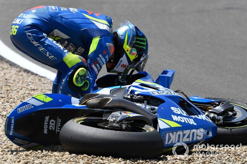 "Caída de Joan Mir, Team Suzuki MotoGP<span class=""copyright"">Gold and Goose / Motorsport Images</span>"