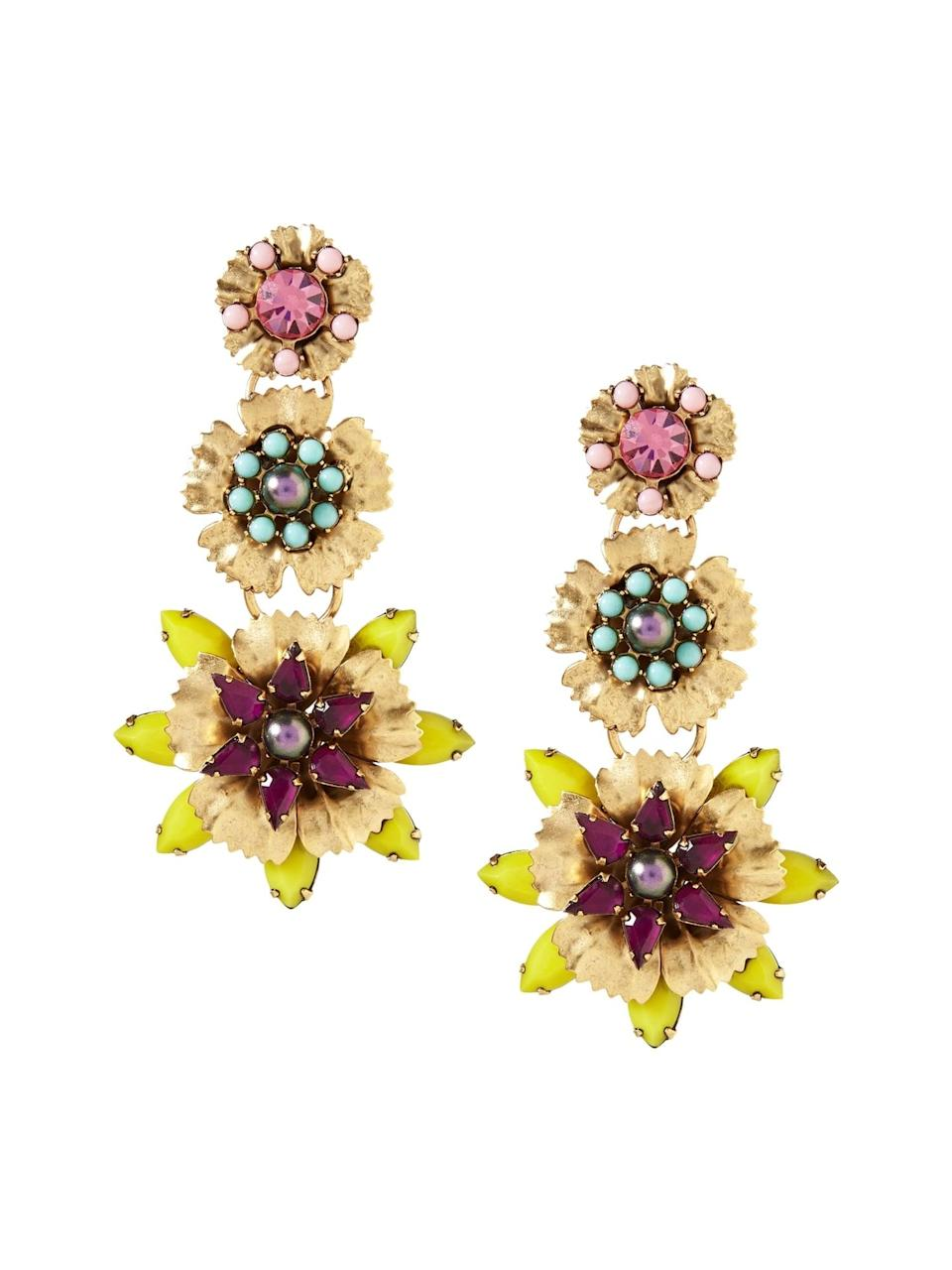 <p>Can't make it to somewhere tropical this year? Be the island flower of the virtual chat with these <span>Banana Republic Elizabeth Cole Tropical Flower Earrings</span> ($160)!</p>