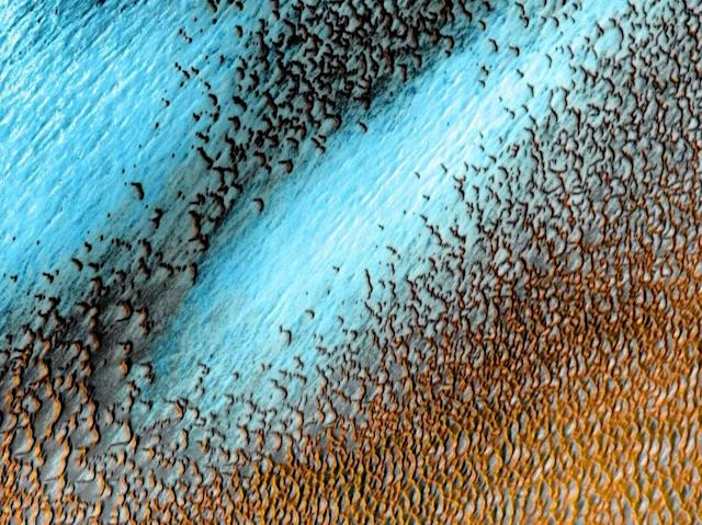 Nasa shares amazing image of blue dunes on Mars