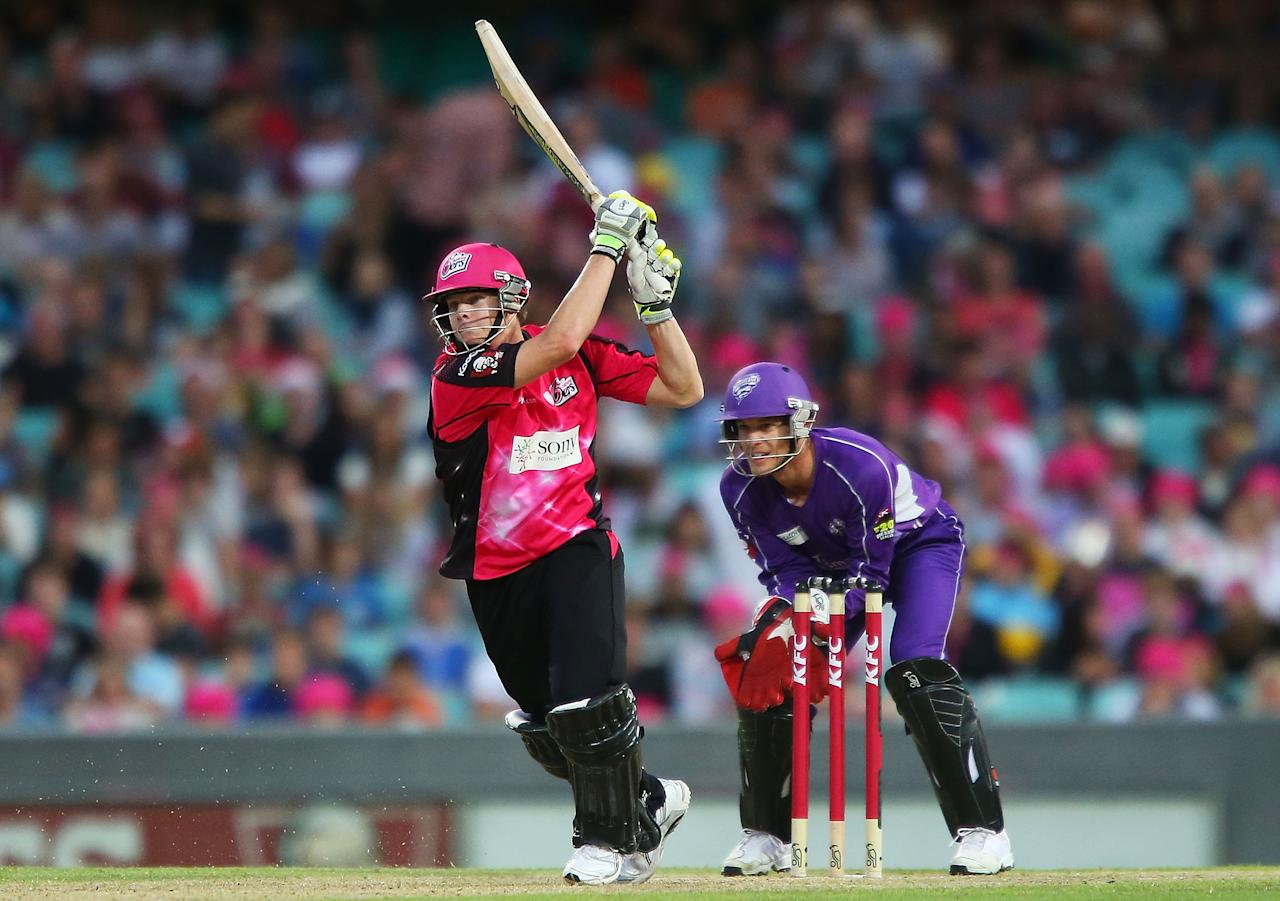 SYDNEY, AUSTRALIA - DECEMBER 26:  Steve Smith of the Sixers bats during the Big Bash League match between the Sydney Sixers and the Hobart Hurricanes at SCG on December 26, 2012 in Sydney, Australia.  (Photo by Brendon Thorne/Getty Images)