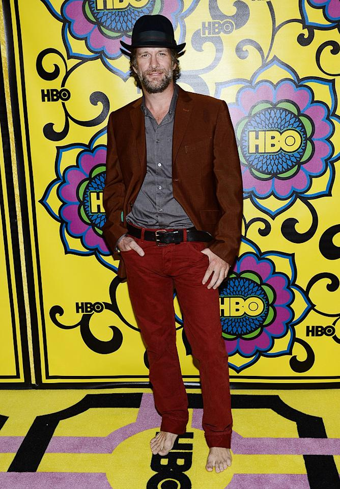 "Eccentric ""Hung"" star Thomas Jane turned heads upon arriving at HBO's annual post Emmys party ... sans shoes! Last year, the 43-year-old former husband of Patricia Arquette told <a target=""_blank"" href=""http://www.bettyconfidential.com/"">BettyConfidential</a> that he often goes shoeless in an effort to ""raise a little bit of awareness of the homeless in America."" The actor went on to say that he also wasn't a fan of having his feet imprisoned. While we don't blame Jane, we don't think bare feet (or that equally bizarre bowler) make for appropriate party attire. Hopefully he didn't stumble upon any broken glass near the open bar!"