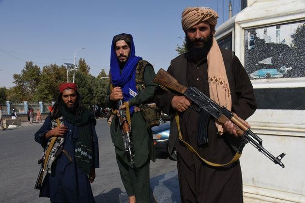 <strong>Taliban members are seen in Mazar-i-Sharif, capital of northern Balkh province, Afghanistan.</strong> (Photo: Xinhua News Agency via Getty Images)
