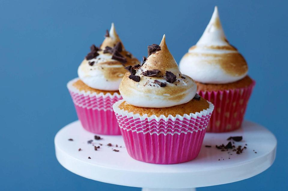 """This British recipe calls for """"digestive biscuits,"""" but graham crackers will work just as well to infuse chocolate-filled vanilla cupcakes and toasted 'mallow topping with that classic campfire flavor. <a href=""""https://www.epicurious.com/recipes/food/views/toasted-marshmallow-cupcakes?mbid=synd_yahoo_rss"""" rel=""""nofollow noopener"""" target=""""_blank"""" data-ylk=""""slk:See recipe."""" class=""""link rapid-noclick-resp"""">See recipe.</a>"""