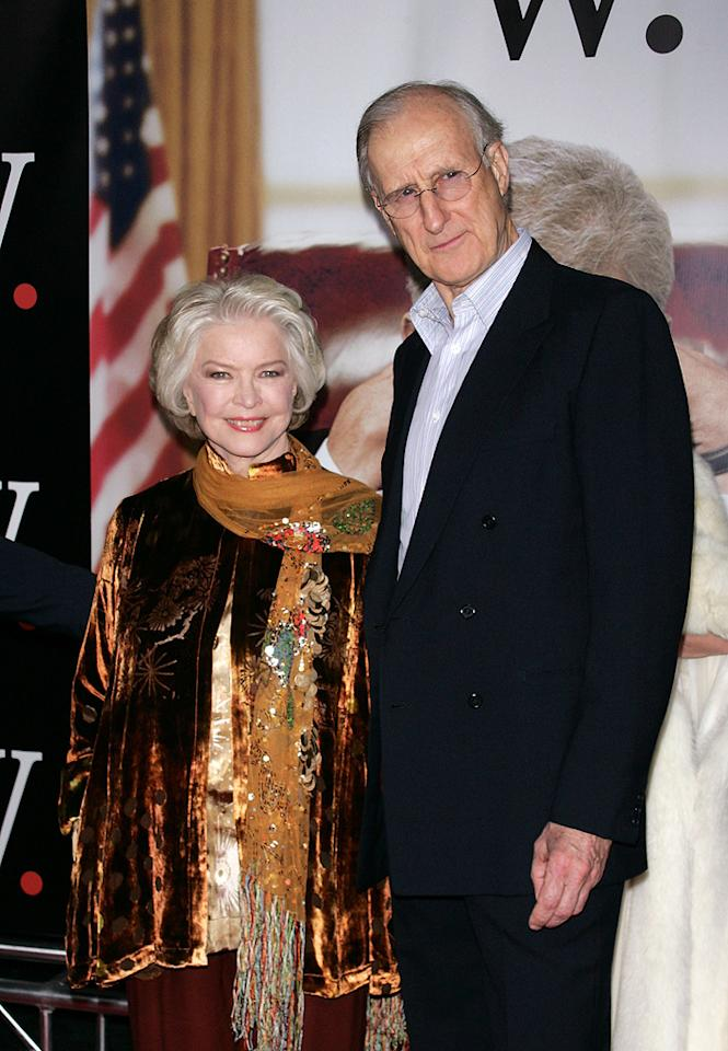 """<a href=""""http://movies.yahoo.com/movie/contributor/1800012689"""">Ellen Burstyn</a> and <a href=""""http://movies.yahoo.com/movie/contributor/1800018700"""">James Cromwell</a> at the New York premiere of <a href=""""http://movies.yahoo.com/movie/1810026489/info"""">W.</a> - 10/14/2008"""