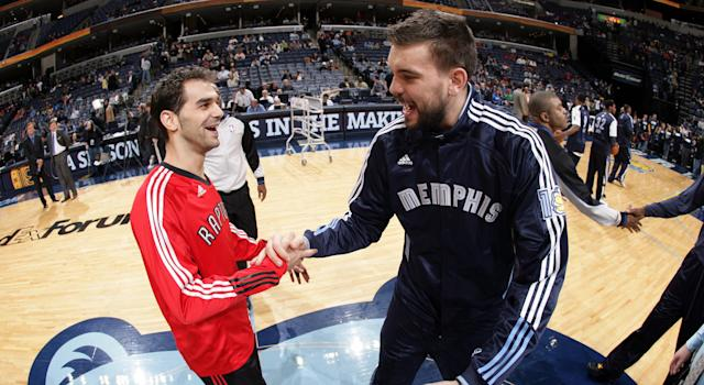 Jose Calderon greets Marc Gasol before a game in Memphis in 2010. (Photo by Joe Murphy/NBAE via Getty Images)