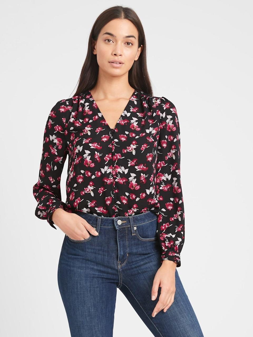 <p>Can't have enough floral blouses. For a great deal, pair this <span>Banana Republic Floral V-Neck Blouse</span> ($50, originally $85) with a black leather skirt and loafers!</p>